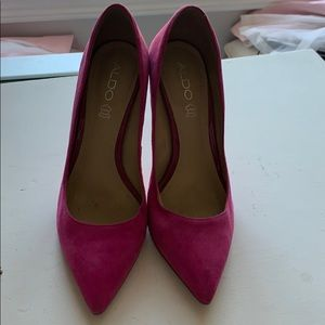 Beautiful hot pink Aldo heels, suede 39